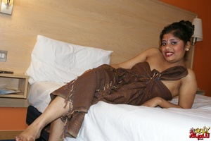 Fat Indian chick in brown cover gets nude and exposes her booty - XXXonXXX - Pic 3