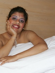 Fat Indian chick in brown cover gets nude and - XXXonXXX - Pic 6