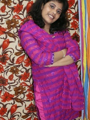 Naughty Indian chick in purple sari gets naked to - XXXonXXX - Pic 2