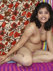 Naughty Indian chick in purple sari gets naked to - XXXonXXX - Pic 11