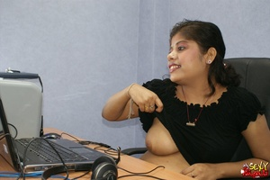 Nasty Indian chick sitting in front of the laptop demonstrating her naked boobs on the Internet - XXXonXXX - Pic 4