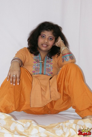 Lewd Indian bitch in orange national costume gets nude to wear her nice lingerie - XXXonXXX - Pic 5