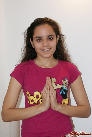 Cool Indian teen in pink T-shirt is ready to get naked to demonstrate her fresh body - XXXonXXX - Pic 1