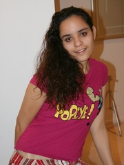 Cool Indian teen in pink T-shirt is ready to get - XXXonXXX - Pic 3
