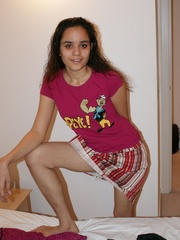 Cool Indian teen in pink T-shirt is ready to get - XXXonXXX - Pic 5
