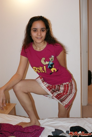 Cool Indian teen in pink T-shirt is ready to get naked to demonstrate her fresh body - XXXonXXX - Pic 5