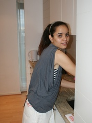 Ponytailed Indian chick takes off her clothes and - XXXonXXX - Pic 1