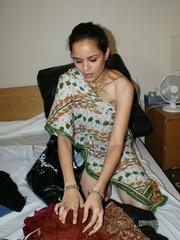 Ponytailed Indian chick Jasmine trying to put on - XXXonXXX - Pic 7