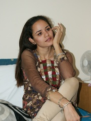 Nasty Indian teen girl undresses her purple - XXXonXXX - Pic 2