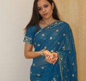 Naughty Indian teen Jasmine in blue sari gets…