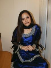 Hot Indian girl in nice blue national costume - XXXonXXX - Pic 1