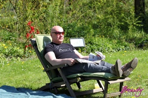 Bald old man in sunglasses pounds passio - XXX Dessert - Picture 1