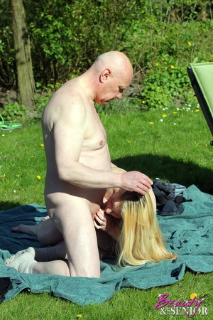 Bald old man in sunglasses pounds passio - XXX Dessert - Picture 5