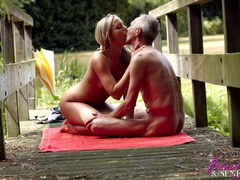 Teen blonde with nice body finds naked old - XXX Dessert - Picture 5