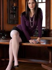 Brunette busty secretary in beads - Sexy Women in Lingerie - Picture 1