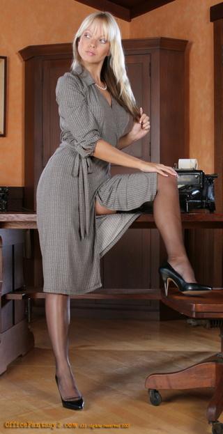 Hot MILF Jana Cova masturbating her sweet pussy in stockings  1624803
