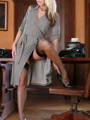 Bodacious blonde bitch stays in - Sexy Women in Lingerie - Picture 5