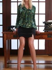 Nasty blonde secretary in black - Sexy Women in Lingerie - Picture 1
