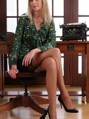 Nasty blonde secretary in black - Sexy Women in Lingerie - Picture 5
