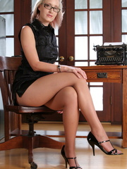 Blonde babe secretary in glasses - Sexy Women in Lingerie - Picture 1