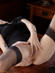 Lustful secretary all in black - Sexy Women in Lingerie - Picture 11