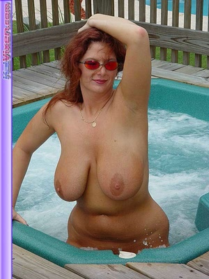 Busty Toni KatVixen Shows Her Tits In Th - XXX Dessert - Picture 5