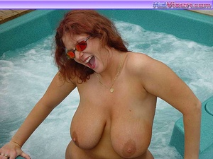 Busty Toni KatVixen Shows Her Tits In Th - XXX Dessert - Picture 6