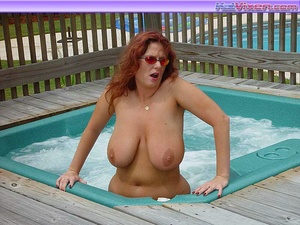 Busty Toni KatVixen Shows Her Tits In Th - XXX Dessert - Picture 9