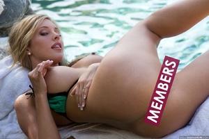 Blonde hottie with pierced nipples undre - XXX Dessert - Picture 17