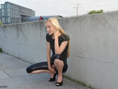 Nasty blonde chick in latex pants with a - XXX Dessert - Picture 4
