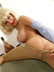 Dirty blonde milf in a blue blouse - Sexy Women in Lingerie - Picture 4