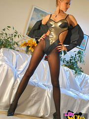 Awesome blonde mom in black tights, - Sexy Women in Lingerie - Picture 10