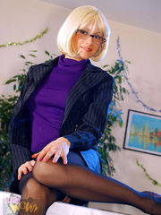 Dirty secretary I glasses and black - Sexy Women in Lingerie - Picture 1