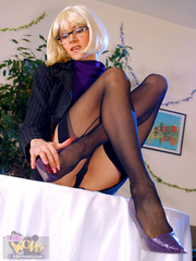 Dirty secretary I glasses and black - Sexy Women in Lingerie - Picture 8