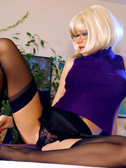 Dirty secretary I glasses and black - Sexy Women in Lingerie - Picture 9