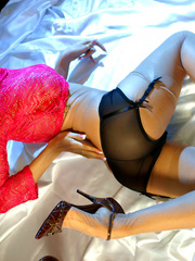 Nasty blonde milf in a pink jumper - Sexy Women in Lingerie - Picture 9