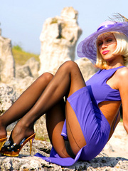 Bodacious blonde lady in a blue - Sexy Women in Lingerie - Picture 2