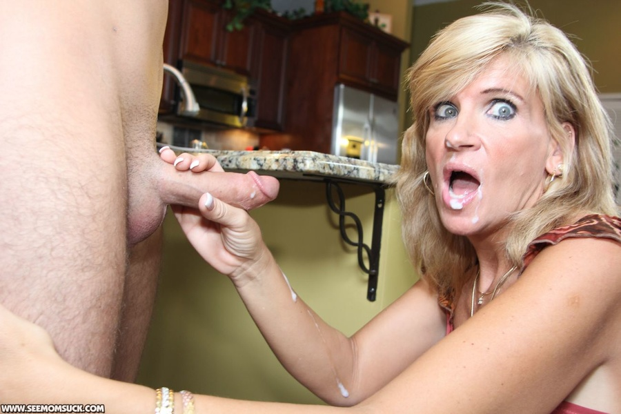 Mom suck and swallow