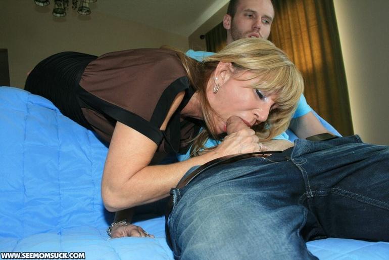 Мама делает минет сыну Эротика и порно фото, порнуха,секс фотки - на.