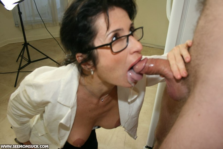 Sexy milf women naked in glasses apologise