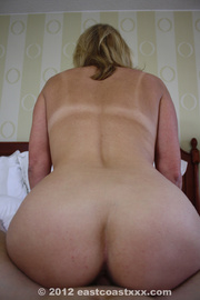tattooed blonde mom with