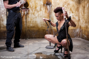 Kinky master punishing his short-haired ebony chick with water and chains before fucking her various and violently - XXXonXXX - Pic 4