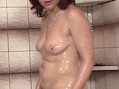 Dirty red mom seduces her son's blonde - XXX Dessert - Picture 4