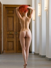 Magnificent red girl with sexy body posing - XXX Dessert - Picture 4