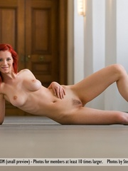 Magnificent red girl with sexy body posing - XXX Dessert - Picture 7