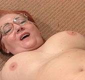 Horny dude banging hard dirty granny and cumming…