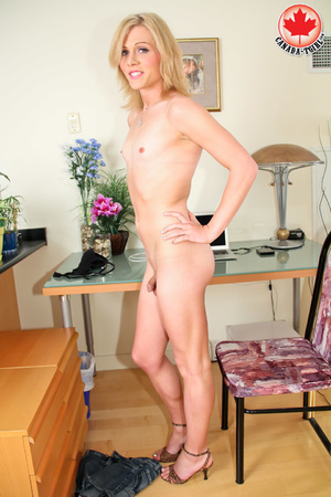 Dirty blonde tranny in a jeans skirt and - XXX Dessert - Picture 10
