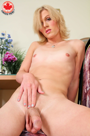 Dirty blonde tranny in a jeans skirt and - XXX Dessert - Picture 15