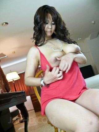 hot mom red dress
