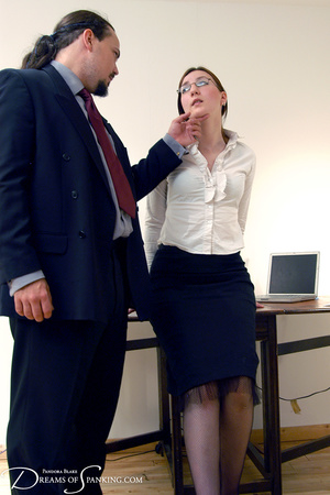 Hot secretary in glasses and stockings g - XXX Dessert - Picture 1